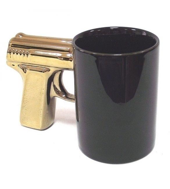 Кружка керамическая пистолет черная с позолоченной ручкой
