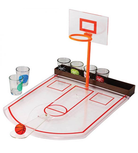 Пьяный баскетбол  со стопками